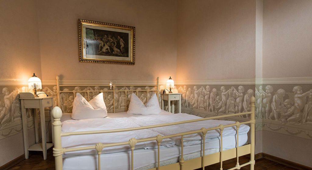 Schlafzimmer-im-Toskana-Appartment